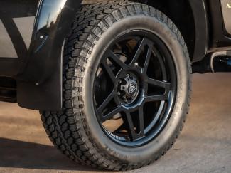Predator Fox 20 Inch Alloys for Nissan Navara NP300 - 20X9 Wheels in Lustrous Black