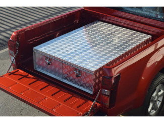 Aluminium toolbox with twin drawer system
