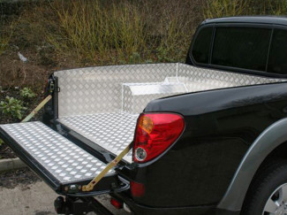 Alloy Load Bed Liner For The Mitsubishi L200 05 On Curved Bed Model