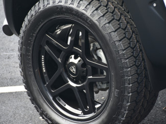 Mitsubishi L200 Series 6 - 20x9 Predator Fox 20 Inch Alloys In Lustrous Black