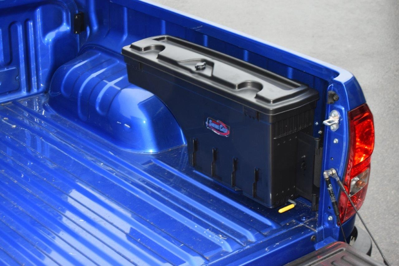 Nissan Navara Np300 2016 On Swing Case Tool Storage Box Right Side Fuse Location