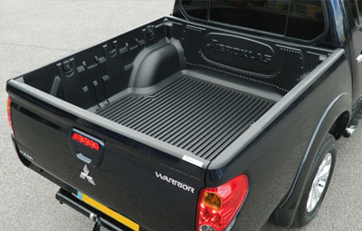 Mitsubishi L200 with Aeroklas over rail bed liner