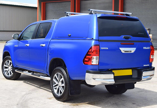Toyota Hilux fitted with an Alpha CMX Truck top canopy in Blue 8X2
