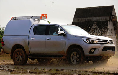 High roof tradesman truck top on a Toyota Hilux